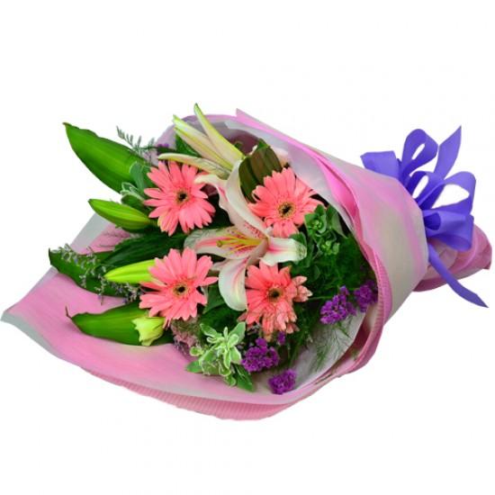 Pink Valentine Flowers Bouquet